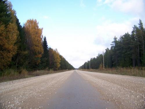Schotterpiste (100_0938.JPG) wird geladen. Eindrucksvolle Fotos aus Lettland erwarten Sie.