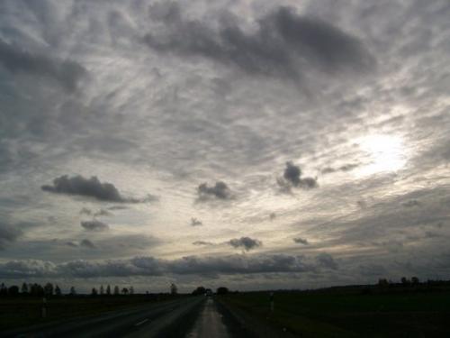 Wolken (100_0090.JPG) wird geladen. Eindrucksvolle Fotos aus Lettland erwarten Sie.