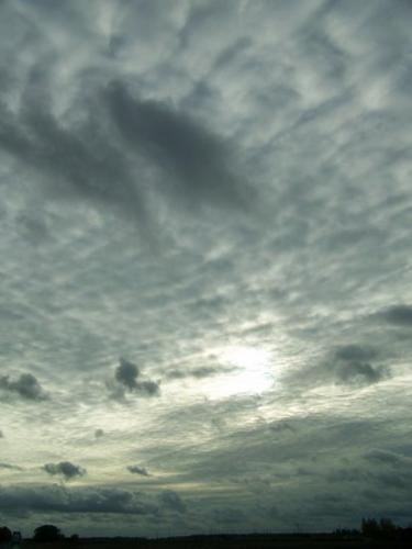 Wolken (100_0091.JPG) wird geladen. Eindrucksvolle Fotos aus Lettland erwarten Sie.